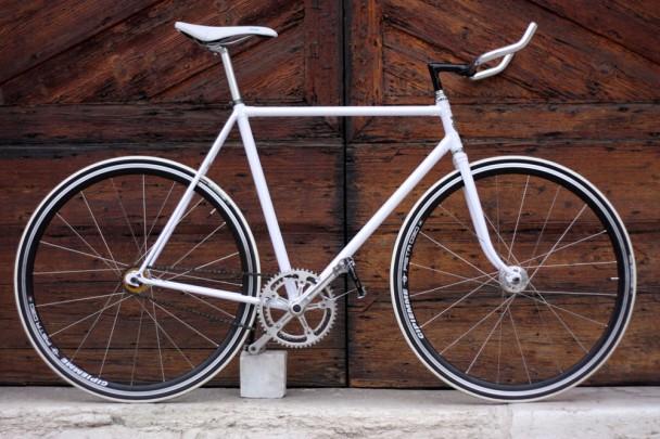 Bicicletta scattofisso pista