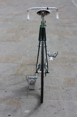 Bicicletta a scatto fisso, rear view