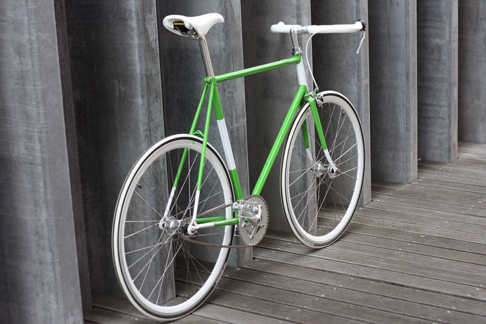 "Bici fixed gear ""Friday"" su telaio Olmo in tubi stellari ..."
